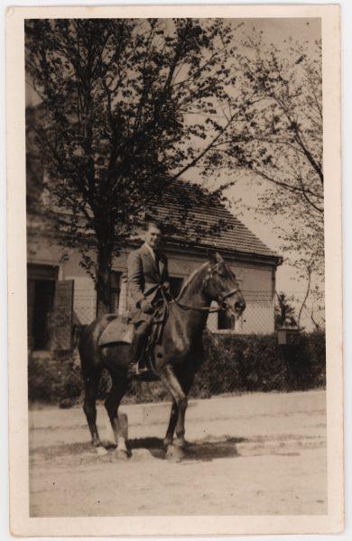 Artur_zu_Pferd